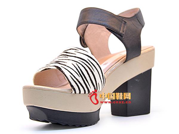 淘易铺2013黑色厚底粗跟女士坡跟凉鞋C0245-1