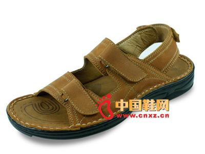 宝元鞋匠新款男鞋上市 时尚休闲百搭男士凉鞋