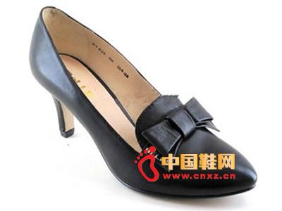 春季时尚女鞋,新款时尚百搭黑色尖头蝴蝶结高跟女单鞋