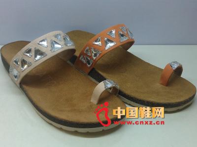 夏季时尚女鞋,新款休闲百搭宝石女士凉拖