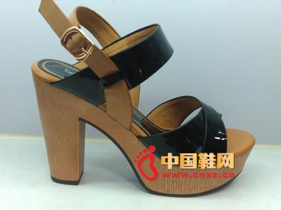 夏季时尚女鞋,新款时尚黑色防水台系扣超高跟女凉鞋