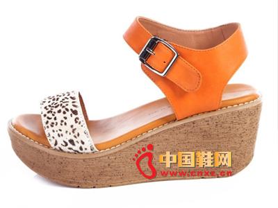 夏季时尚女鞋,新款时尚休闲橙色系扣厚跟坡跟女凉鞋