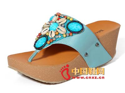 夏季时尚女鞋,新款时尚波西米亚风蓝色厚跟坡跟女凉拖
