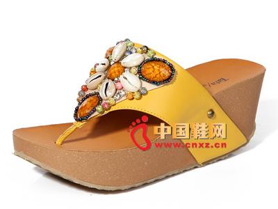夏季时尚女鞋,新款时尚波西米亚风黄色厚跟坡跟女凉拖