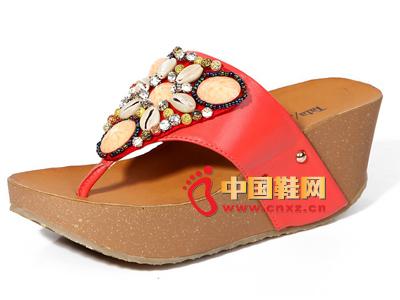 夏季时尚女鞋,新款时尚波西米亚风红色厚跟坡跟女凉拖