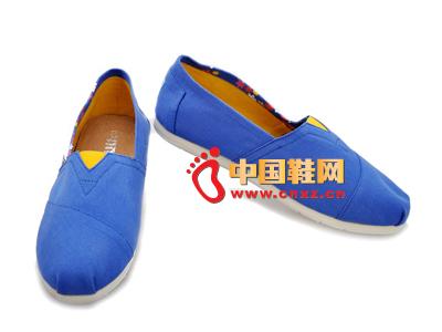 尼尼可可2013新款休闲星星图案布鞋上市 两色