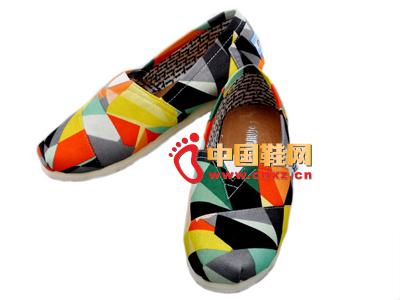 尼尼可可2013新款休闲彩纹布鞋上市  三色