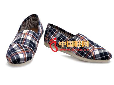 尼尼可可2013新款休闲百搭条纹布鞋上市
