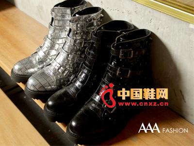 AAA时尚休闲高帮系扣低筒女靴