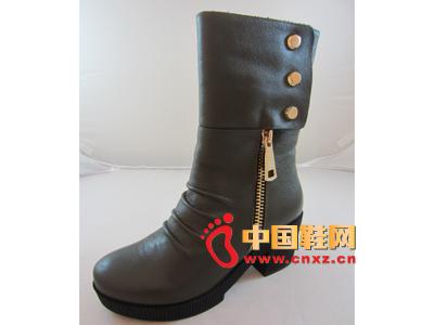 玛丽嘉儿2013秋冬款时尚女鞋上市 新款低跟中靴