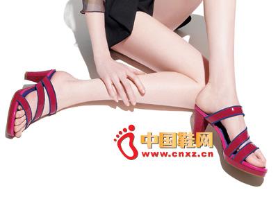 罗拉尼克新款女鞋 时尚红色百搭高跟凉鞋