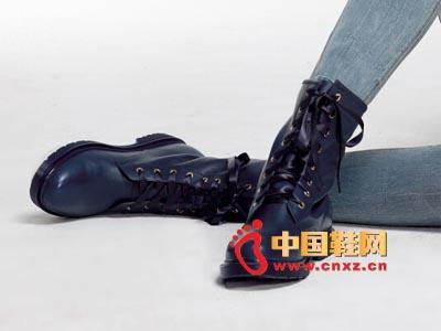 街梯新款时尚女鞋 休闲中靴