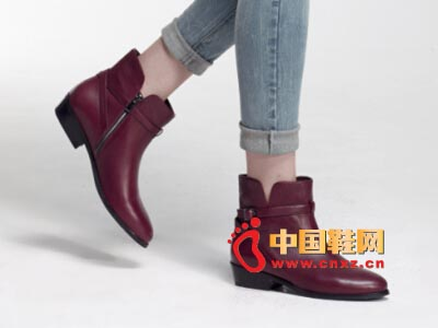 街梯新款时尚女鞋 低跟短靴