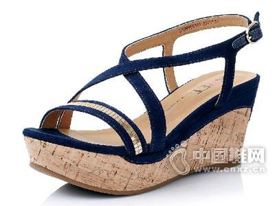 茵奈儿2015新款凉鞋
