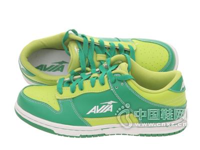爱威亚绿色男款撞色系带设计运动鞋