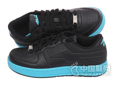 爱威亚蓝色/黑色女款个性撞色板鞋