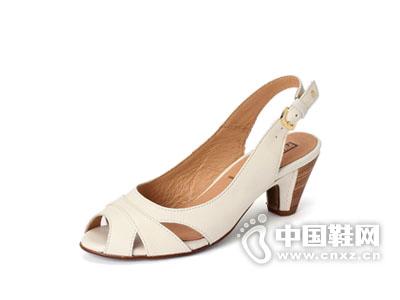 派高雁2015经典商务女鞋高跟鞋椰奶白