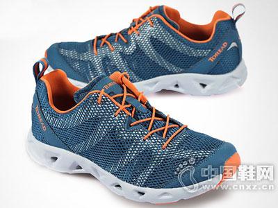 探路者2016新款户外鞋