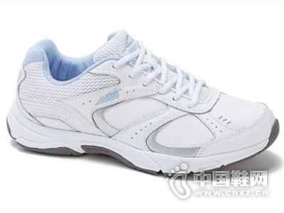 爱威亚2016新款运动鞋