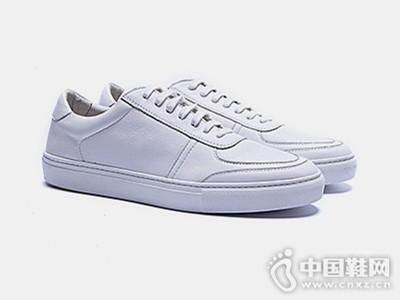 BK伯帝酷奇2016新款真皮运动板鞋潮鞋