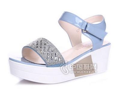 意利都2016新款防水台一字型水钻厚底松糕鞋女凉鞋潮
