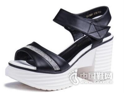 皇妹夏季新款粗跟防水台水钻魔术贴高跟凉鞋
