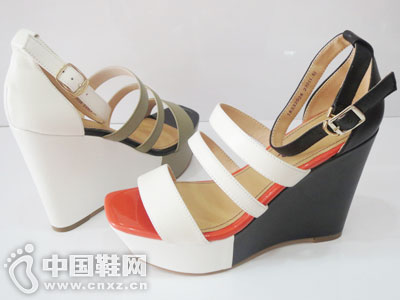 蜜丝罗妮女鞋凉鞋产品系列