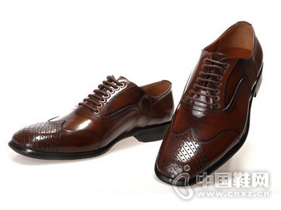 麦斯克尔2016欧版时尚擦色雕花系带牛皮鞋