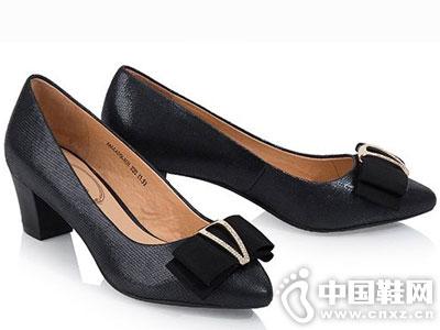 千百度女鞋2016秋季新款单鞋产品