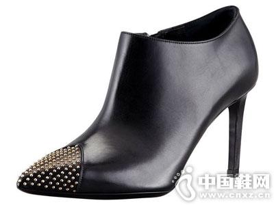 领头羊LOTOYO女鞋2016新款短靴产品