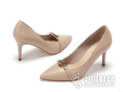 Daphne/达芙妮2017优雅尖头金属装饰细跟高跟鞋
