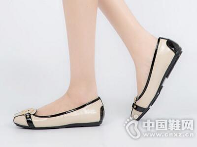 千百度2017秋大牌风多色舒适平底女单鞋
