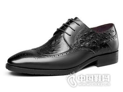 意尔康2017时尚布洛克纹皮鞋