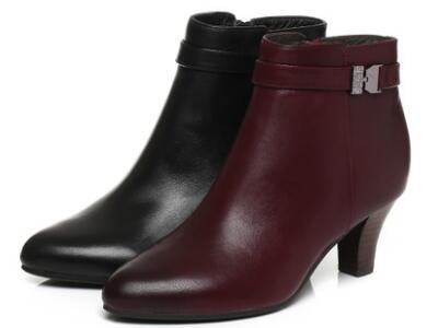 百丽2017冬牛皮女靴尖头高跟女短靴皮靴