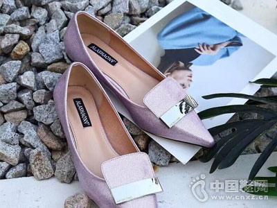 世尊2018女鞋平底单鞋新款产品