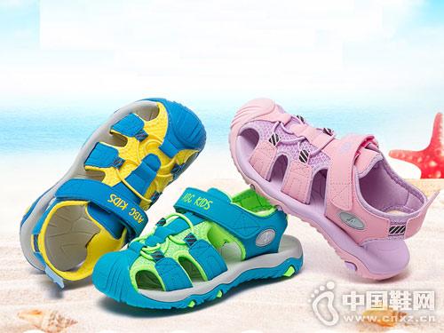 ABC童鞋2018新款男童中空产品