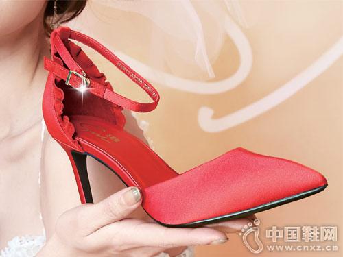圣恩熙女鞋2018新款中空时尚单鞋