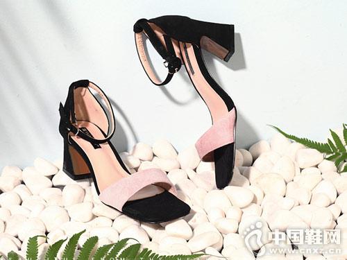 月芽儿女鞋2018新款粗跟凉鞋