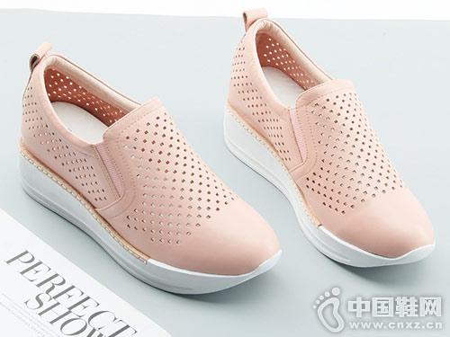 嘉俪多女鞋2018夏季新款休闲运动鞋