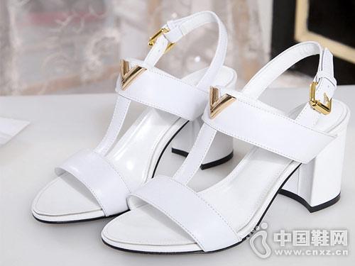 G-vill时尚女鞋2018粗跟凉鞋