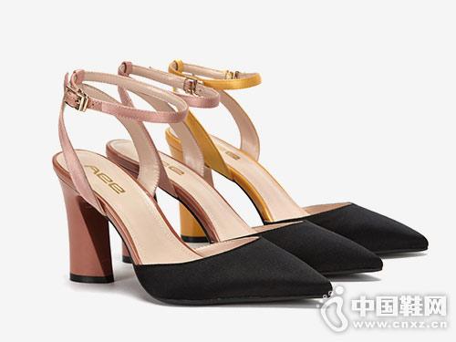 爱意Aee女鞋2018新款后空凉鞋