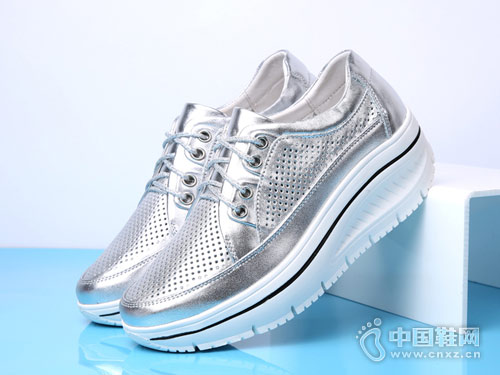 吉祥鸟休闲女鞋2018厚底镂空单鞋