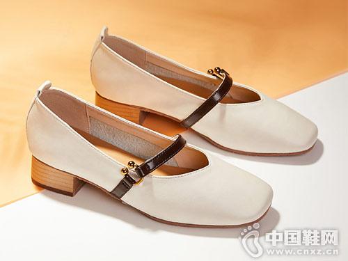 西遇男女鞋2018新款低跟单鞋