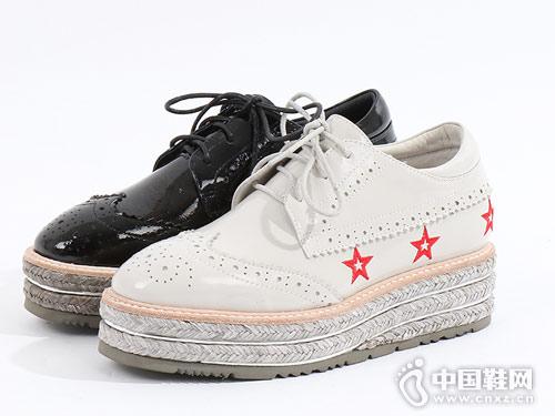 易美特卖女鞋2018新款坡跟单鞋