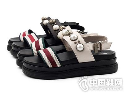 自由漫步男女鞋2018厚底凉鞋