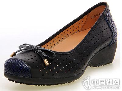 亨达休闲鞋2018新款妈妈单鞋