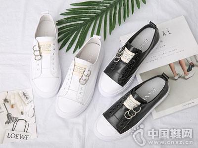 芭妮女鞋2018新款休闲板鞋