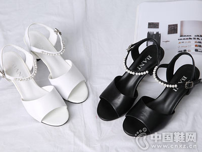 芭妮女鞋2018新款中跟凉鞋