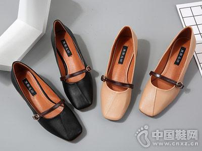东帝名坊女鞋新款时尚奶奶鞋