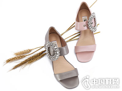 AS女鞋2018新款时尚后包单鞋